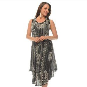 Sleeveless Black and White Boho Dress
